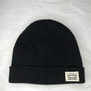 LEVI STRAUSS black fleece lined front logo toque